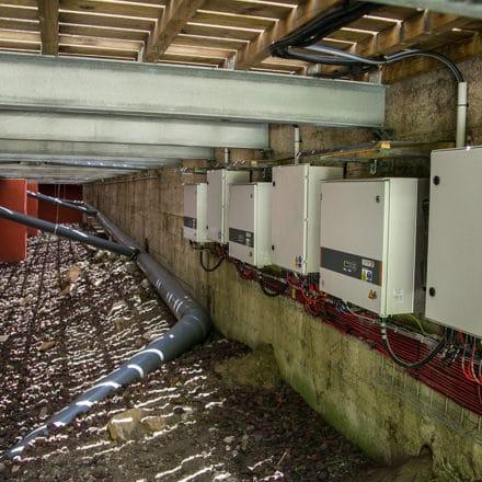 Stockage d'électricité photovoltaïque sur batterie à la Mairie