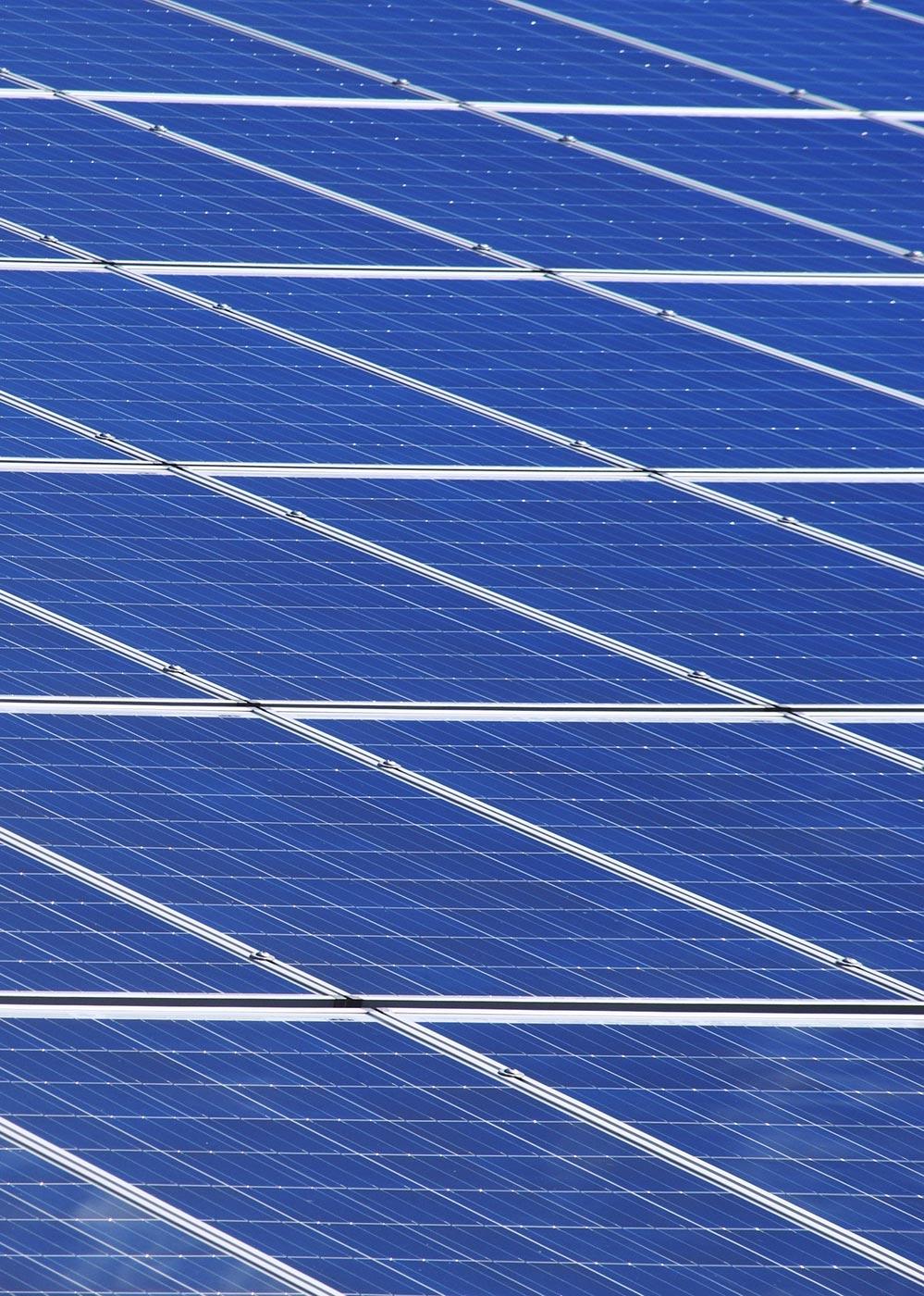 Bâtiment tertiaire avec panneaux solaire